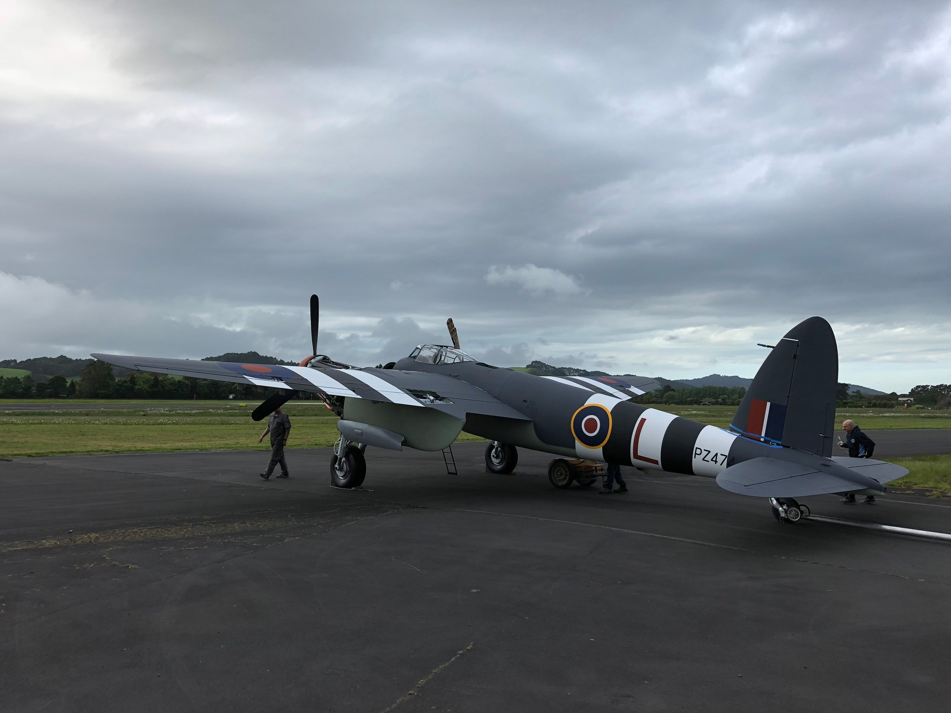WWII de Havilland Mosquito restored in Auckland for Armistice Day air show