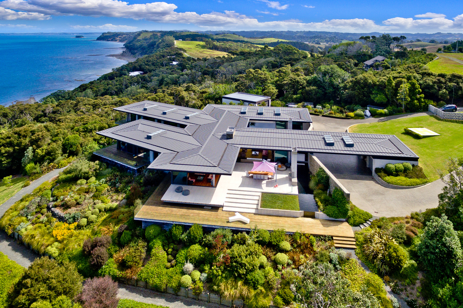 From packing supermarket shelves to owning $15m home