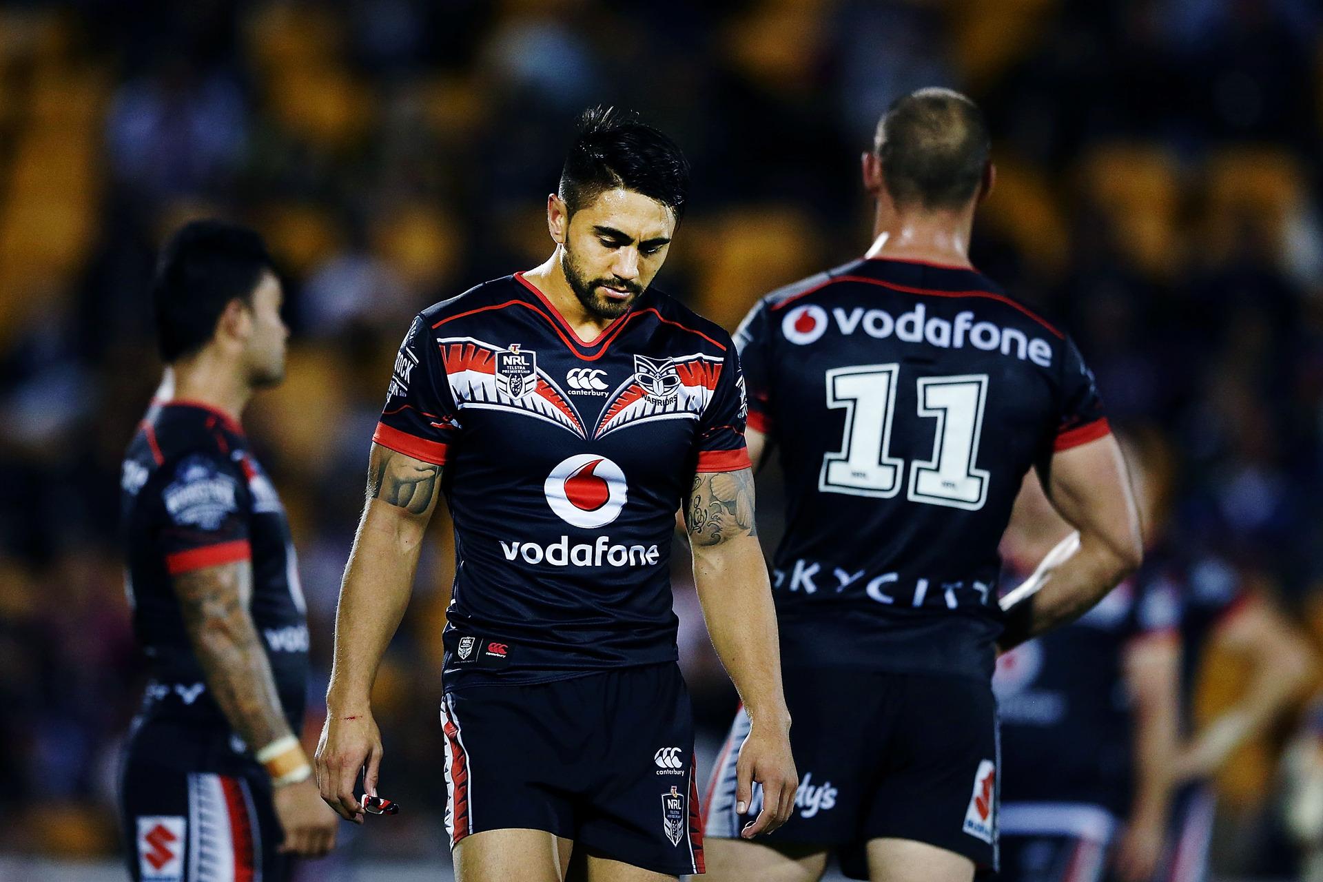 a00a3d86186 Rugby league  Sharks title winner Luke Lewis makes plea for Warriors  halfback Shaun Johnson