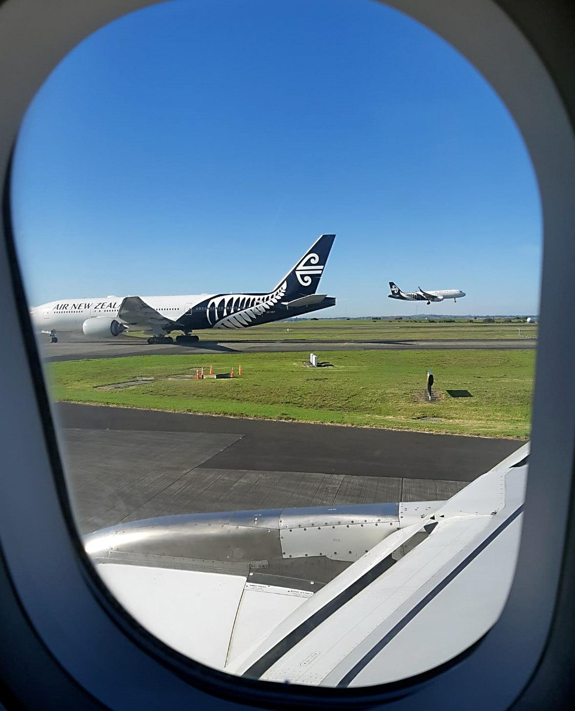 Air NZ flight waits an hour on tarmac before ill passenger taken off