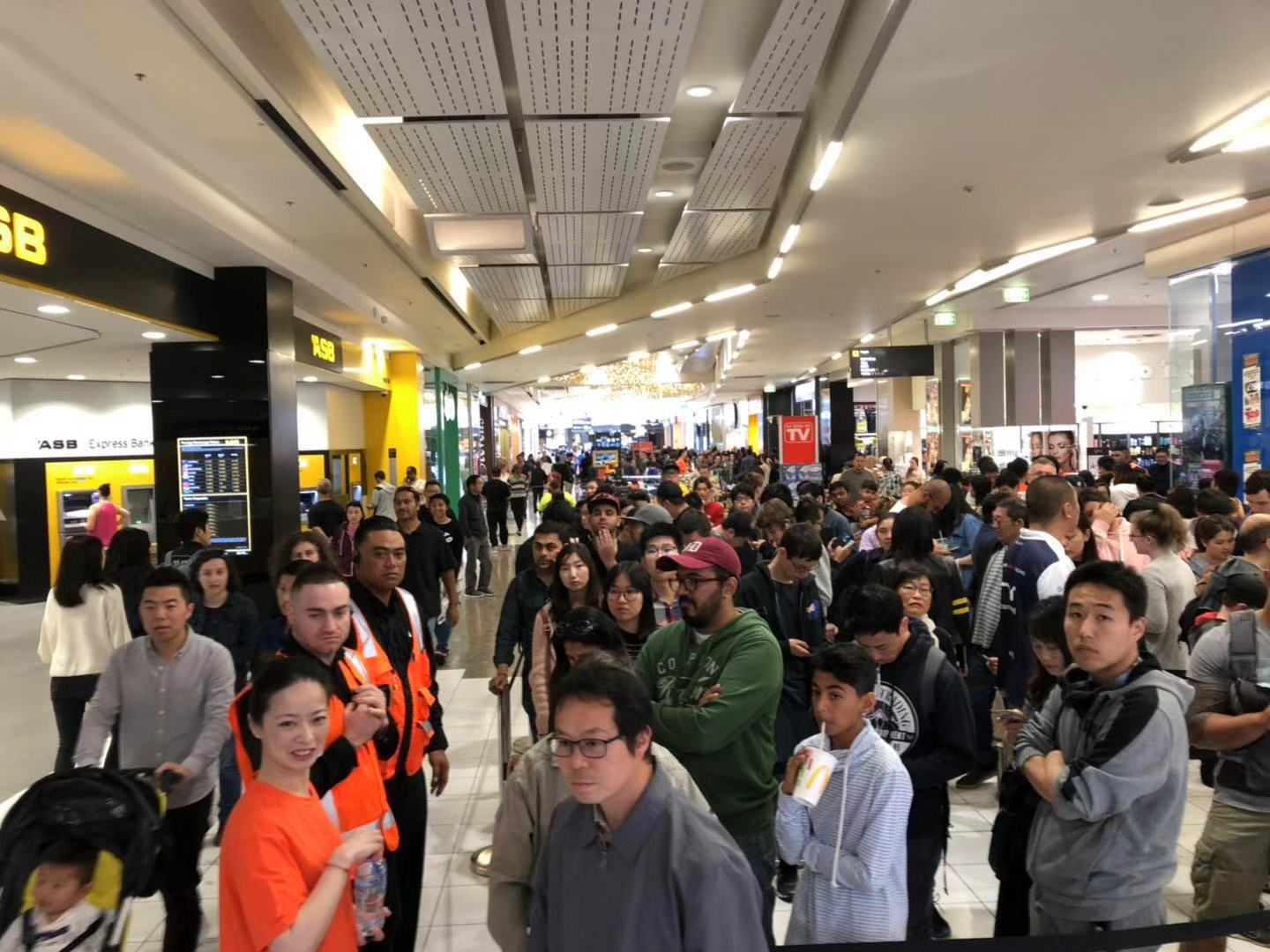Chinese electronics giant Xiaomi opens NZ store, sells
