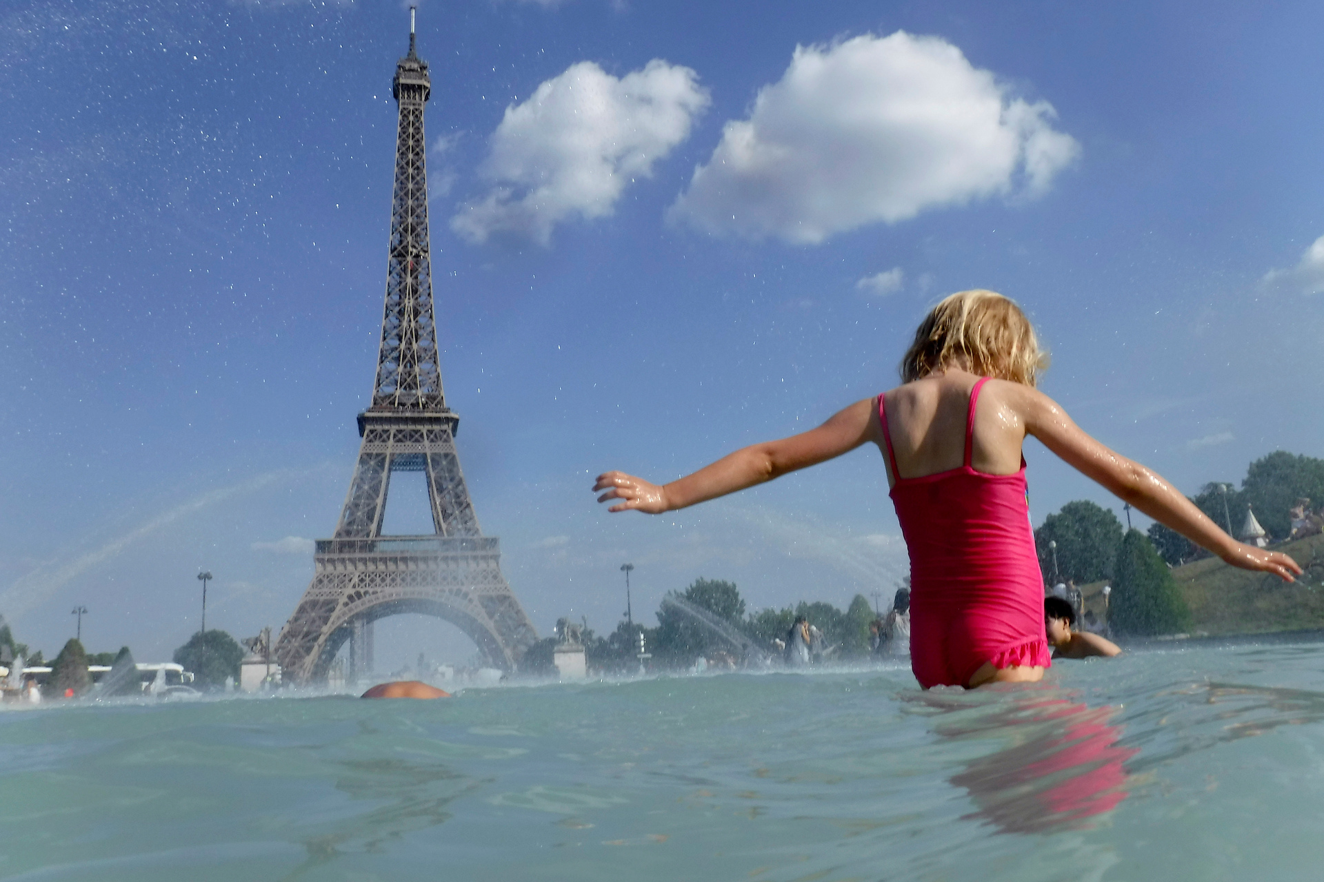 France ready to tackle heat wave