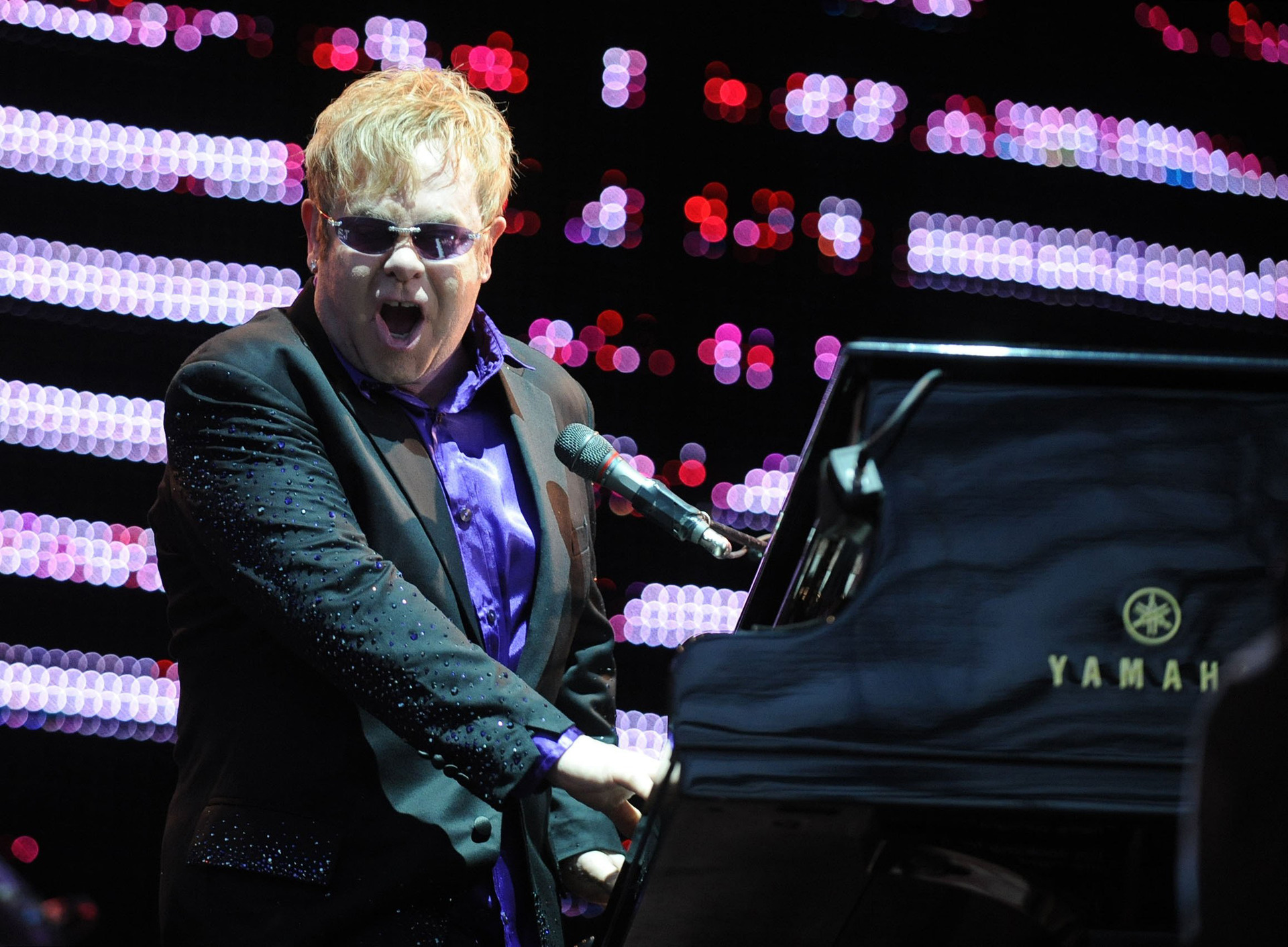 If Elton John could be any woman alive, he'd be Jacinda Ardern