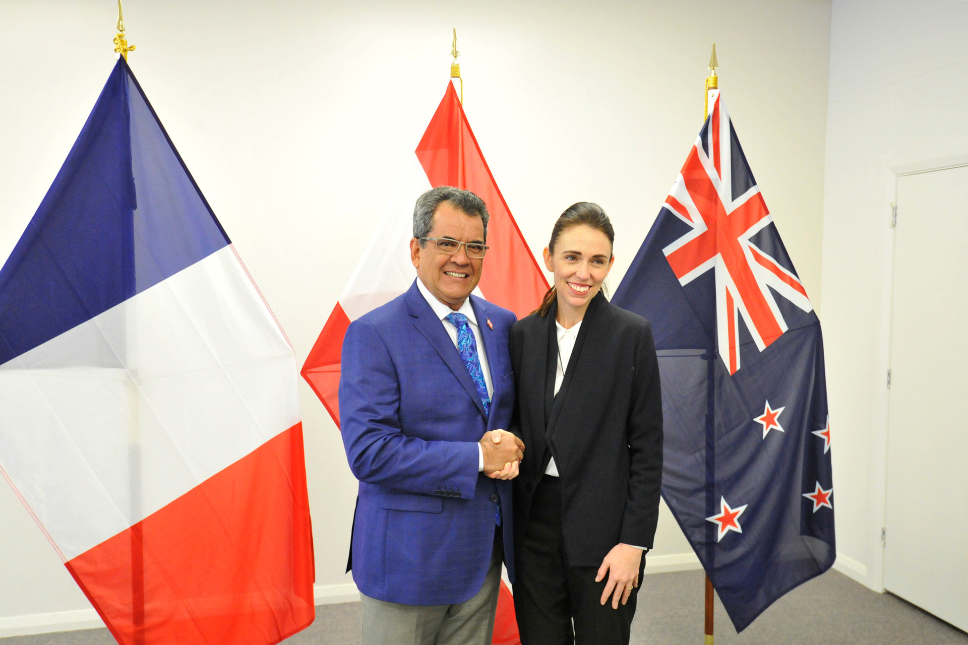 PM's warm welcome to French Polynesia's President