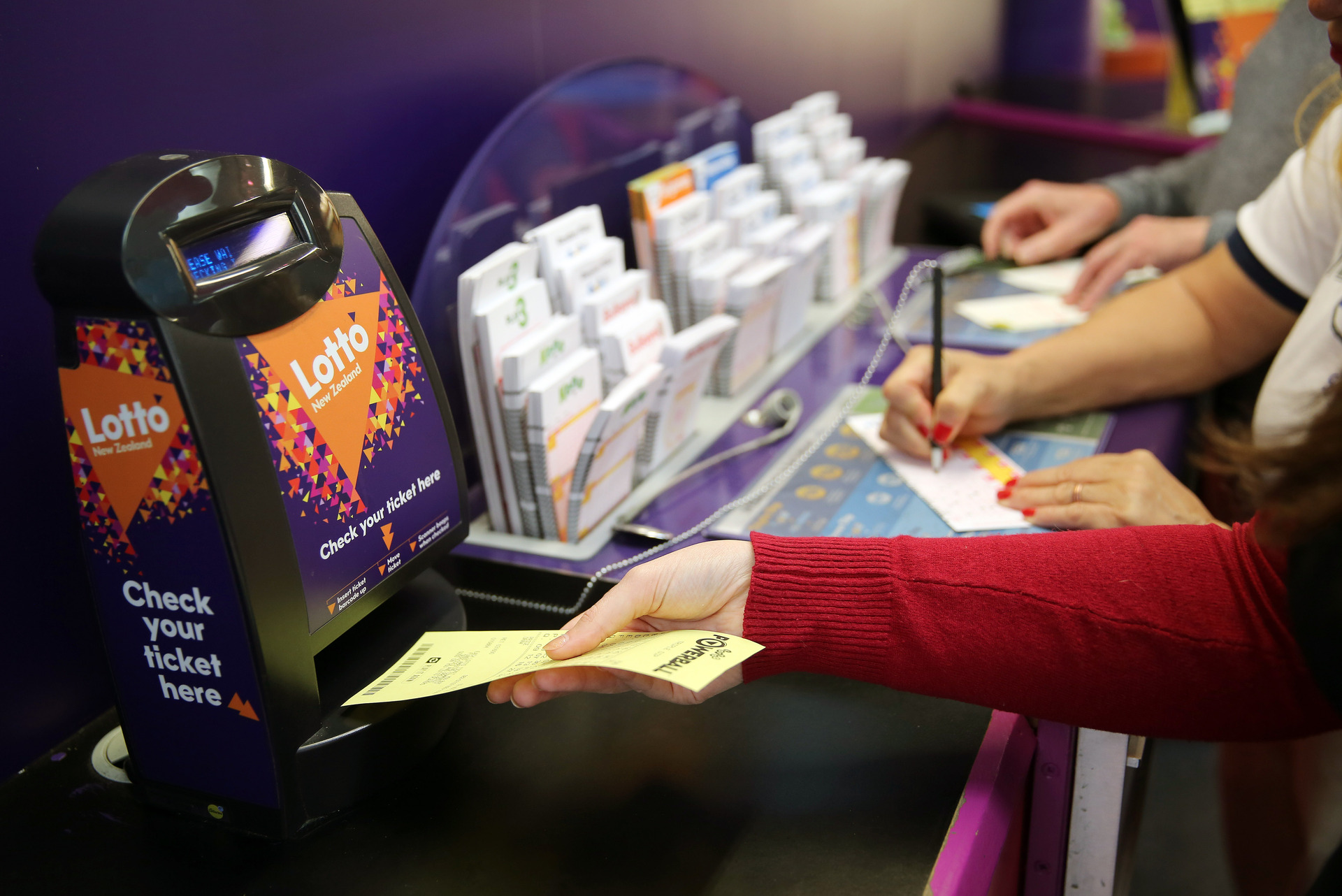Two Auckland Lotto tickets share $1 million