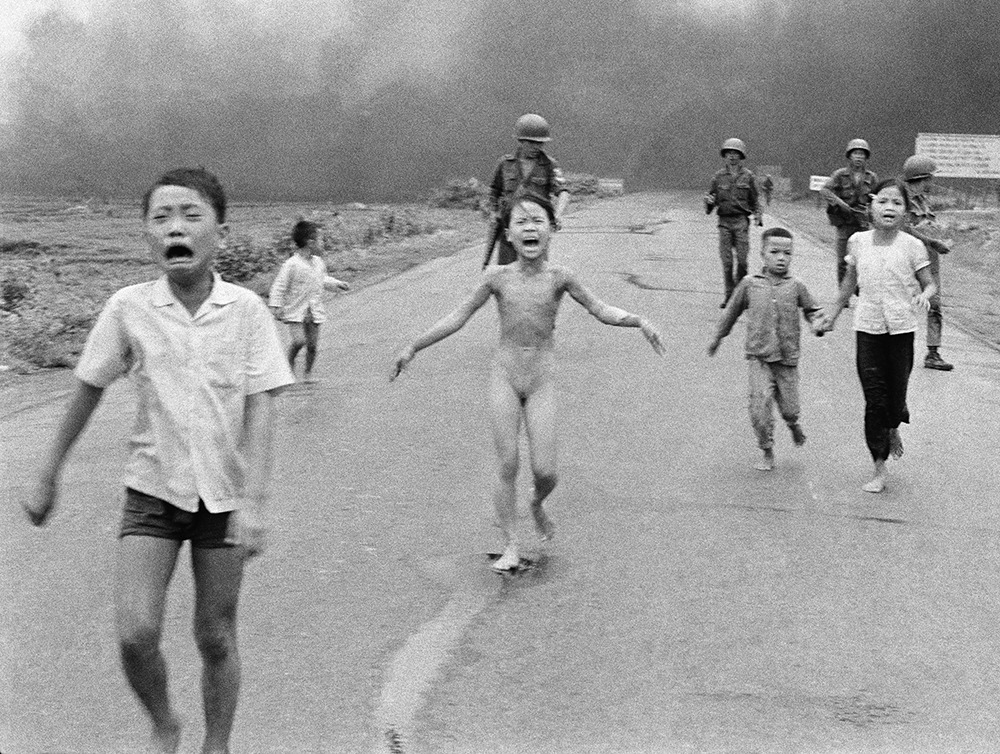 How photos such as Napalm girl, drowned migrants can change the world