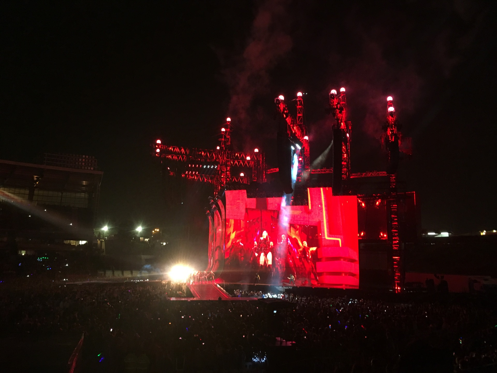 Concert Review Taylor Swift Makes Triumphant Return To New Zealand Nationals Say Faulty Circuit Breaker Not Caused Power Nz Herald
